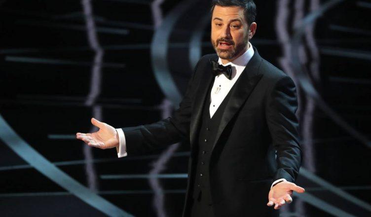 Jimmy Kimmel apresentará o Emmy 2020. É a terceira vez que desempenha tal função nessa premiação.