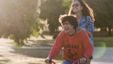 """Filme """"Eduardo e Mônica"""", de René Sampaio, é premiado no Edmonton International Film Festival, no Canadá."""
