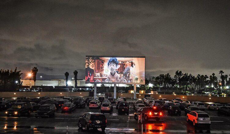Cine drive-ins nos EUA serão reconhecidos pela Academia no Oscar 2021.