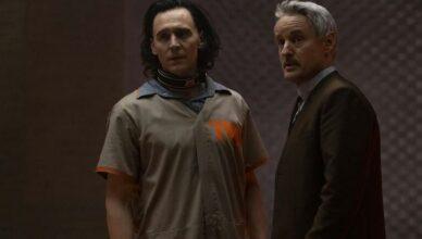 A série Loki ganha um novo trailer com Tom Hiddleston e Owen Wilson.